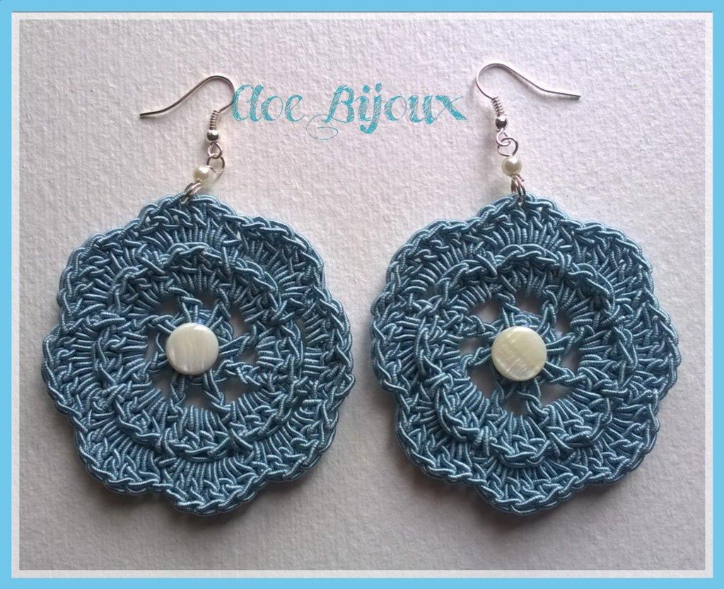 Orecchini Crochet fiore celeste
