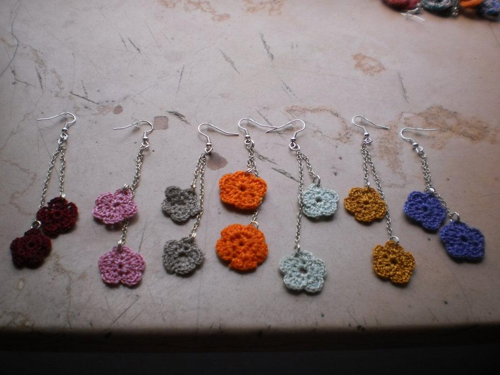 orecchini a fiore pendenti