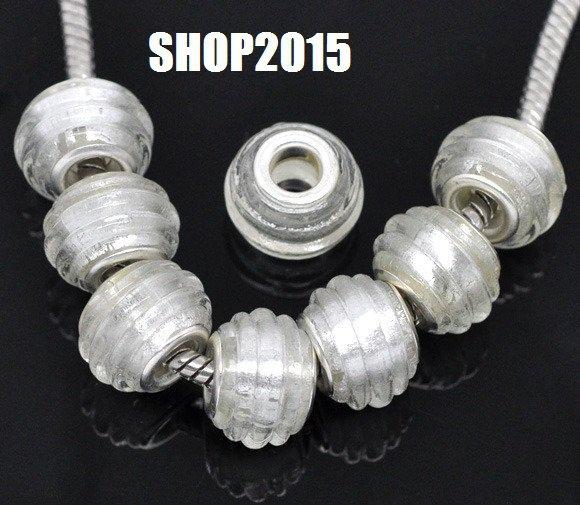 Perla lampwork   in vetrobianco a foro Largo 14×10mm foro 4,8 mm