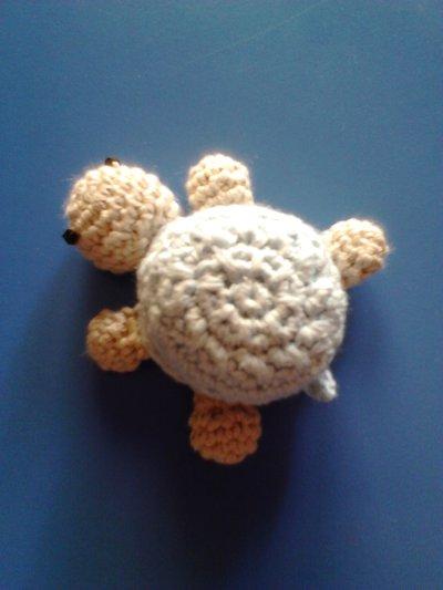 Tartaruga fatta a mano alluncinetto con tecnica amigurumi ...