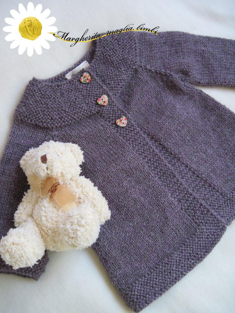 Cardigan neonato lavorato a maglia con tecnica top-down in pura lana