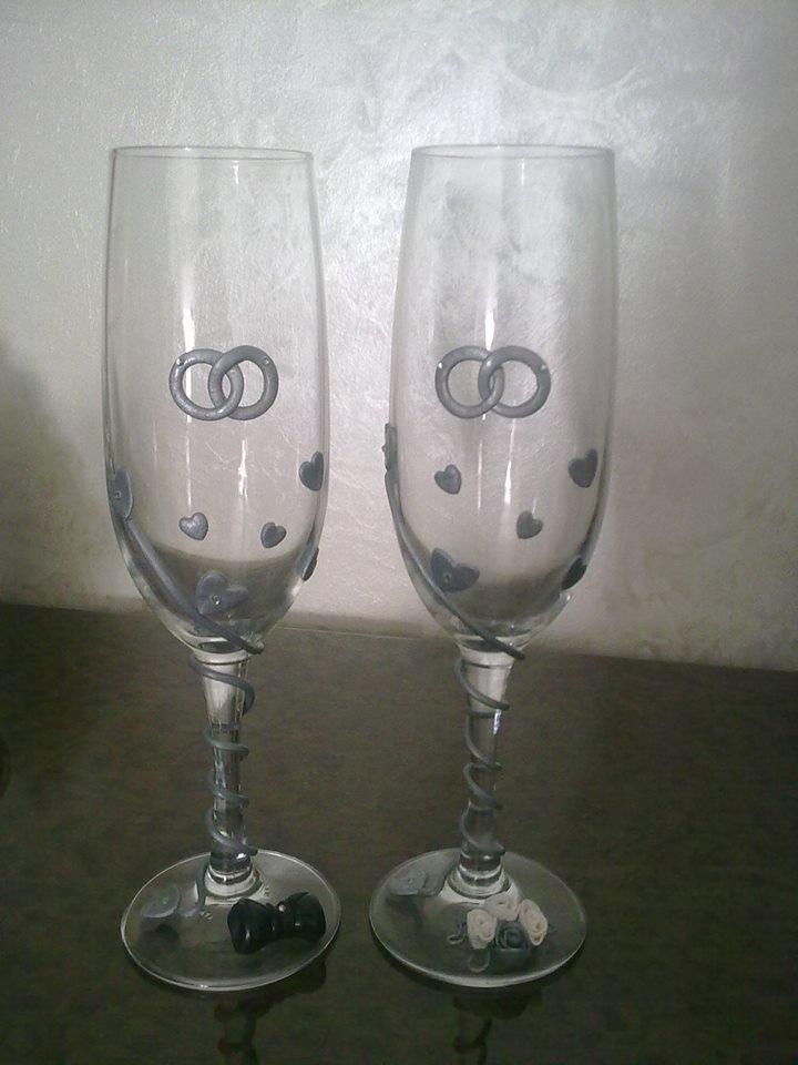Bicchieri in vetro decorati in fimo