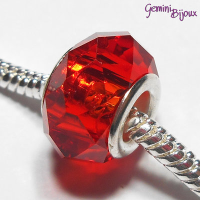 Perla a foro largo in vetro, rondella sfaccettata, 13x8 rosso