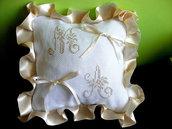 Cuscino fedi ricamato cuscinetto portafedi puntocroce iniziali matrimonio nozze