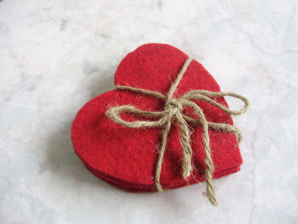 Cuori/Set di 6 sottobicchieri in feltro fatti a mano, idea regalo San Valentino