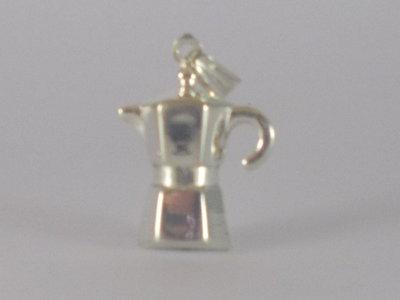 Ciondolo in argento 925 Caffettiera realizzata interamente a mano.