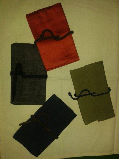 Portatabacco in tessuto cucito a mano (diverse varianti e colori) Personalizzabile