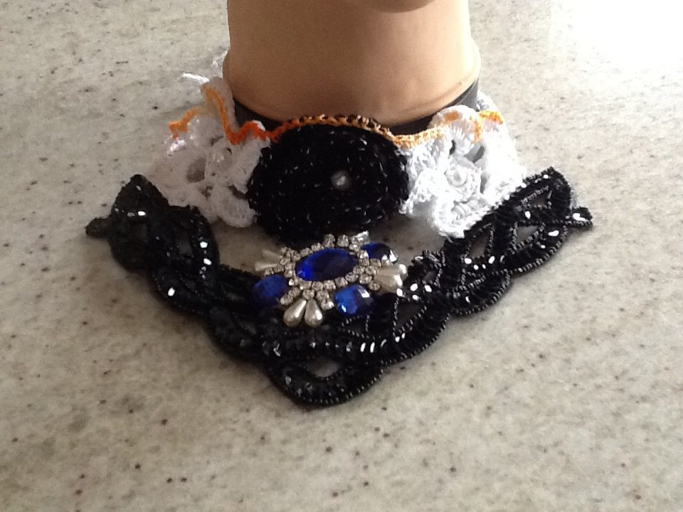 Collana di perline strass e cotone Handmade