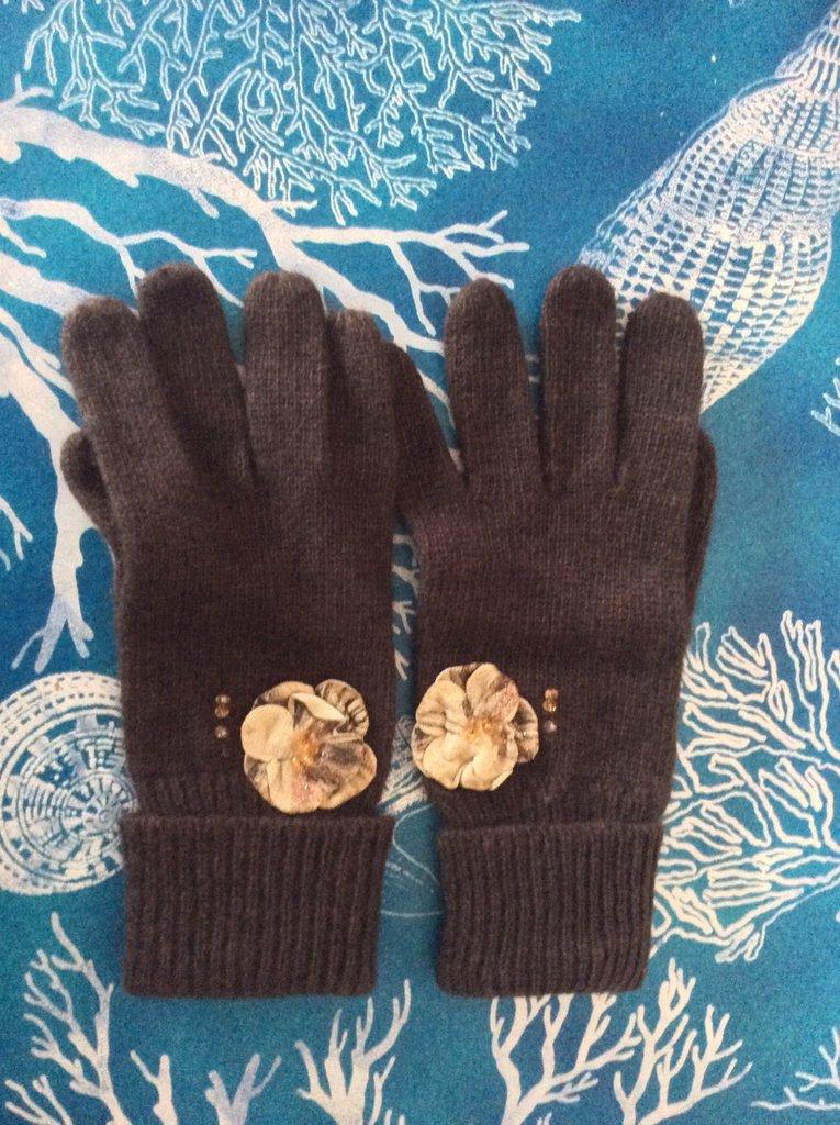 Guanti lana con fiore pelle