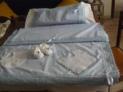 Completo lenzuola e federa cuscino azzurro in cotone  per carrozzina