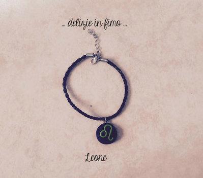 Bracciale in cordino con segno zodiacale Leone in fimo  Lanyard bracelet with zodiac sign Leo polymer clay