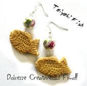 Orecchini  Taiyaki Fish dolce tipico Giapponese con perle di ceramica dipinte a mano