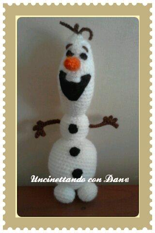 Pupazzo ''Olaf'' fatto a mano all'uncinetto con tecnica amigurumi!