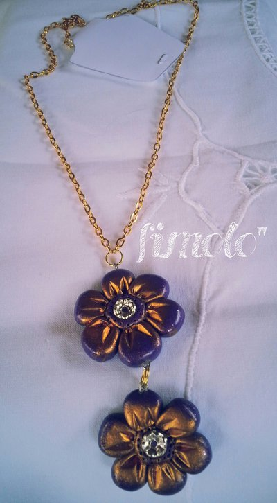 collana con fiori viola