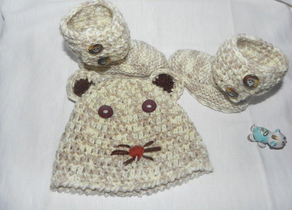 Stivaletti e cappellino bebè unisex misto lana con sfumature particolari stile Ugg