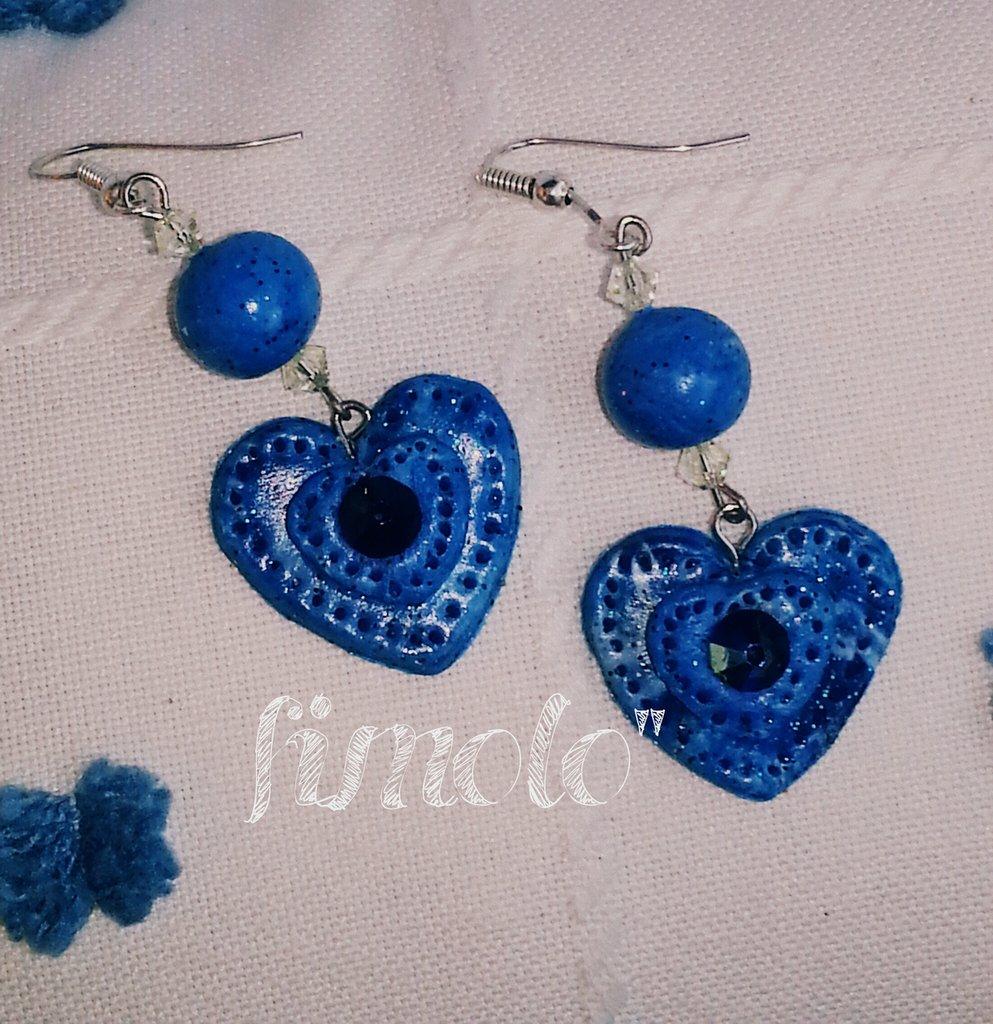 orecchini pendenti cuore blù in fimo