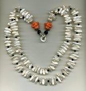 Collana a 2 fili di perle Biwa con chiusura a 2 Buddha ridenti