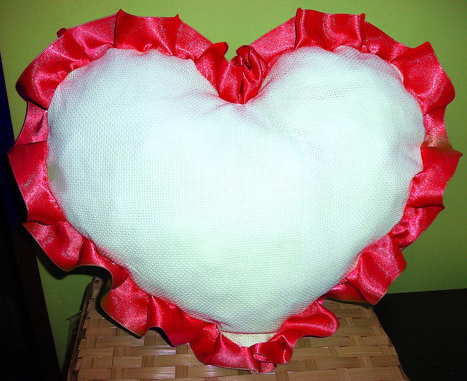 Cuscino arredo cuscinetto cuore da ricamare punto croce idea regalo san valentino