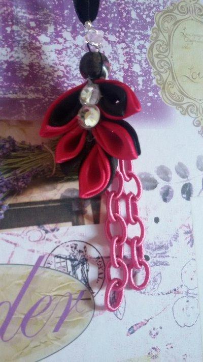 collana con pendente e  catena in tessuto