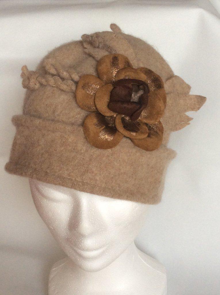 Cappello feltro di lana con bordo