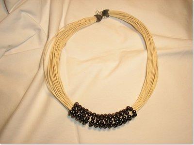 Cerchi di perle filo beige