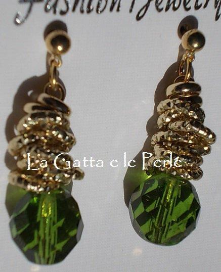 Orecchini in alluminio color oro e Mezzo Cristallo sfaccettato Verde