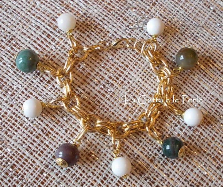 Bracciale con Perle in Agata Bianca e Giada Indiana inserite a ciondolo