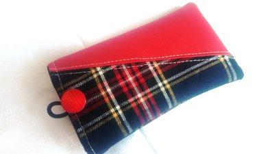 porta cellulare unisex in stoffa scozzese ed eco pelle rosso