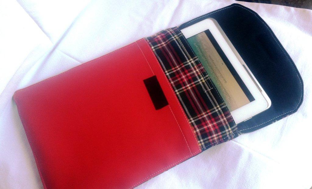 porta tablet con tasca anteriore unisex in stoffa scozzese ed eco pelle rosso