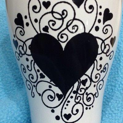 Tazza in ceramica con decorazione in vinile: Love