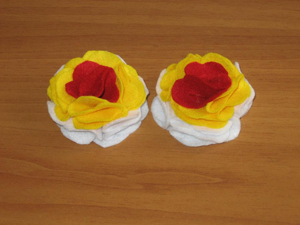 fiori in pannolenci per decorare