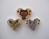 Set tre magneti in legno a cuore dipinti a mano con gatti pazzi 2