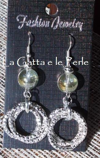 """Orecchini color argento con Perla in Cristallo dalle sfumature effetto """"Bolla di Sapone"""""""