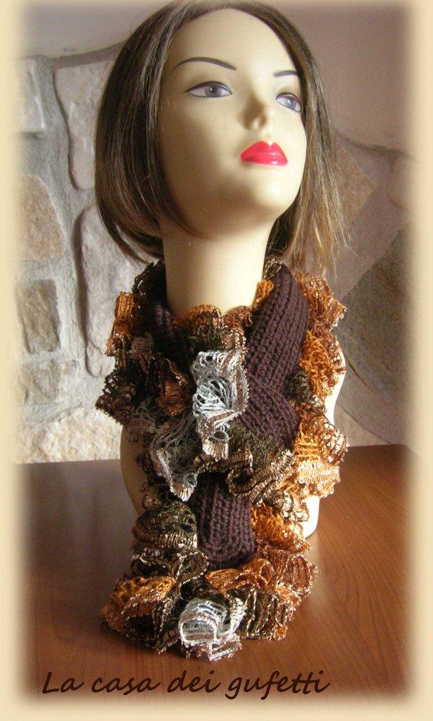 Sciarpa da donna in lana con volant realizzato con lana moda multicolore con paillettes