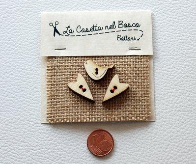 Set 3 bottoni in legno 'Cuori Allungati con uccellino'