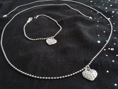 Collana lunga con catena a palline piccole molto elegante con ciondolo a cuore e strass