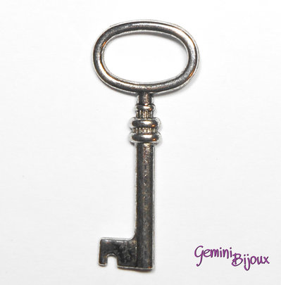 Charm chiave stile tibetano argentato 16x30- K011