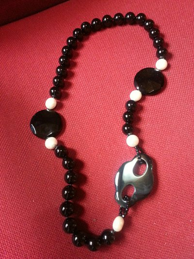 Collana in onice e perle