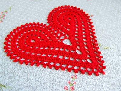 Cuore rosso di San Valentino all'uncinetto