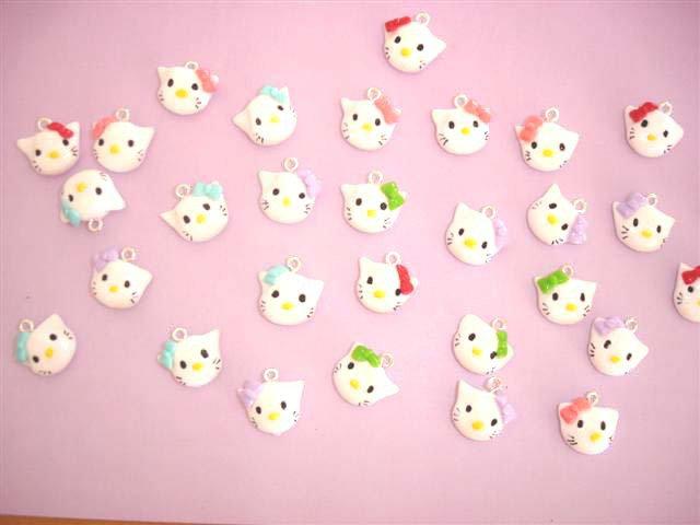 Kitty - inspired - Ciondolo charms per orecchini bracciali braccialetti collana - FIMO UNO A SCELTA