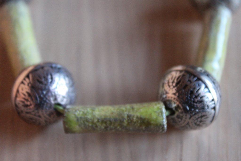 collana in ceramica raku verde acido