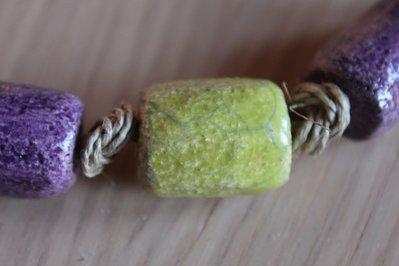 collana 3 cilindri ceramica raku verde acido/viola