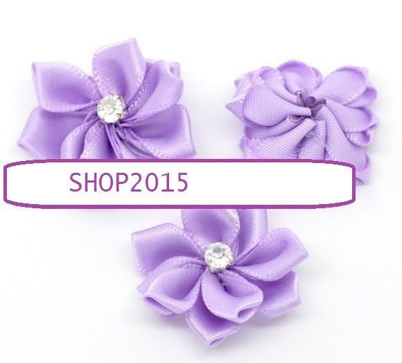 applicazione, decorazione fiore in raso  viola con  strass