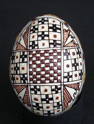Uova di Pasqua decorate a mano