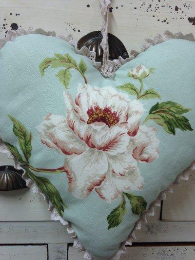 Cuore in tessuto  fiore provenzale