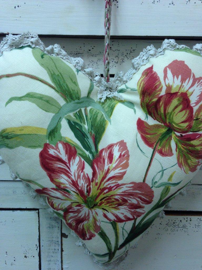 Cuore in tessuto  vintage  fiore