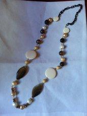 collana in pietre dure con catena in seta