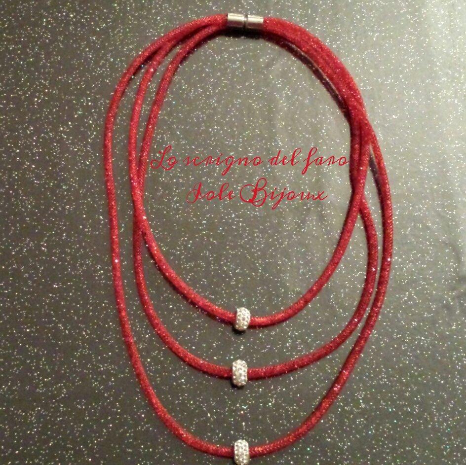 Collana 3 fili rete tubolare sottile stile Stardust rosso vivace con strass