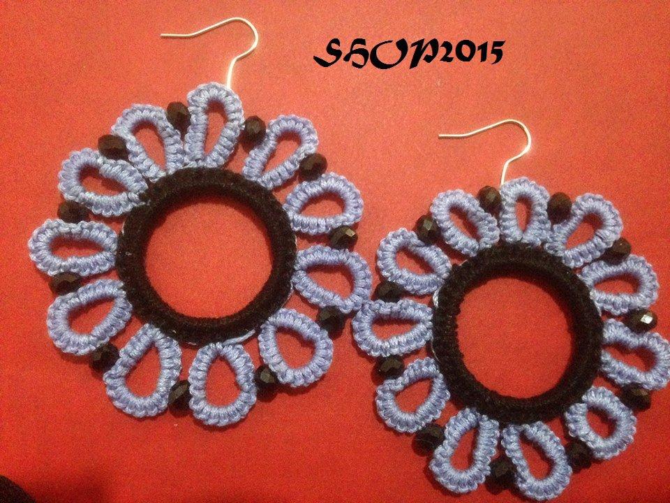 orecchini  realizzati al chiaccherino con perline nere 6 cm
