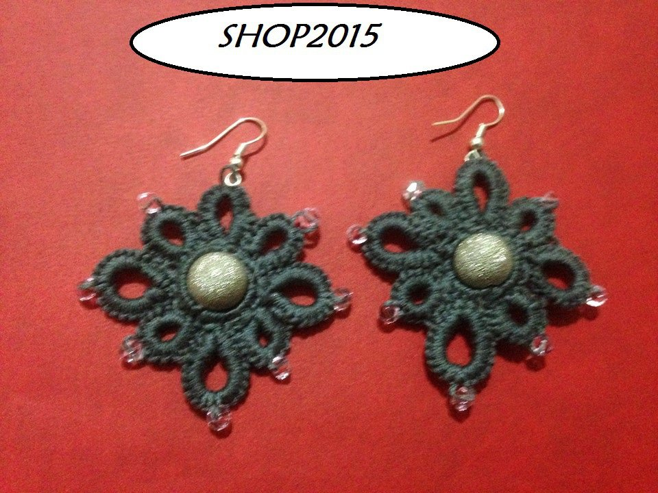 orecchini  nero  4 cm realizzati al chiaccherino con perla sturdust  in offerta